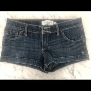 ABERCROMBIE & FITCH Jean short